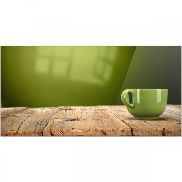 """Küchenrückwand """"Grüne Tasse auf Holztisch"""" - Spritzschutz mit Motiv aus Aluverbund"""